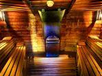 Liptovska sauna<p>Zalety płynące z przebywania w saunie wzbogacono dodatkowo o minerały z tatrzańskich skał, które po zwilżeniu uwalniają się do powietrza i korzystnie wpływają na drogi oddechowe. <p>